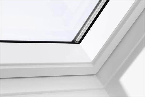 velux ggl sk06 2062 white centre pivot window triple glaze. Black Bedroom Furniture Sets. Home Design Ideas